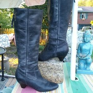 Frye zip back boots